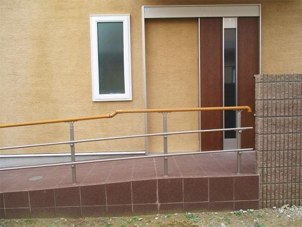 玄関のスロープ